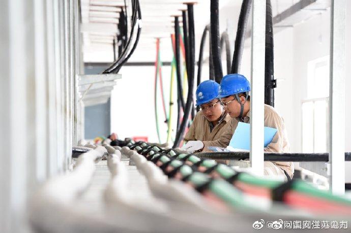 连淮扬镇高铁涟水站内巡查电缆运行状况