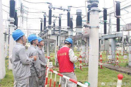 220千伏酃湖变电站进行避雷器放电计数器校验工作