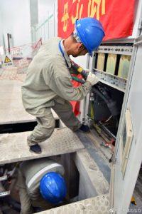 国网武汉市新洲区供电公司对电缆定期做隐患检查