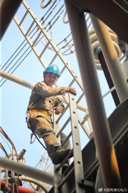 对1000千伏特高压荆门站的1号主变压器进行例行试验