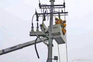 新上1250千伏安箱变带电接火