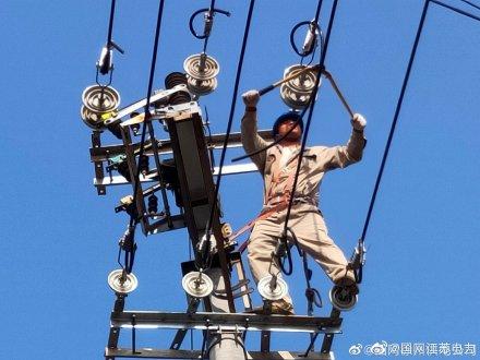 变压器、电杆线路迁移