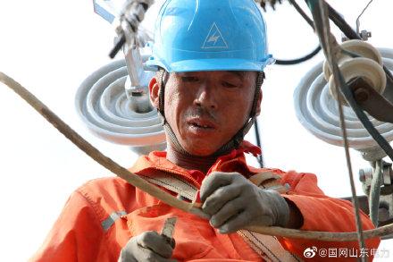 国网胶州市供电公司对10千伏永吉线开展秋季线路大检修工作