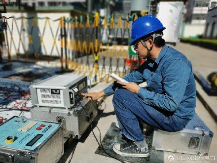 国网高密供电公司对2号主变压器主变压器进行预防性试验