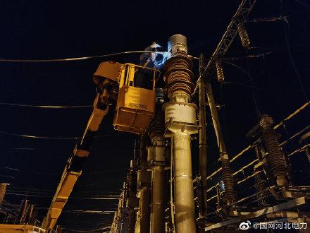 220千伏章西变电站连夜电力抢修