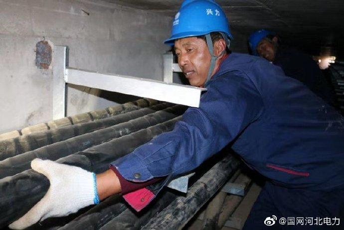皇庙110千伏变电站地下电缆进行敷设