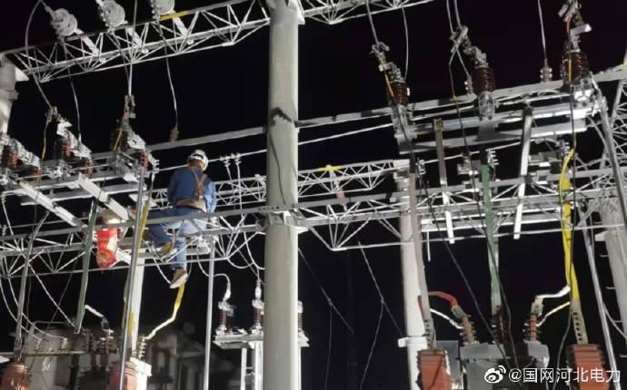 国网行唐县供电公司加班开展变电站检修