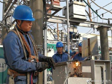 国网行唐县供电公司组织人员加快变电站检修力度