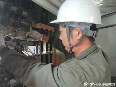 为开元钢结构有限公司义务检查配电房、用电设备及线路,及时更换已氧化线圈