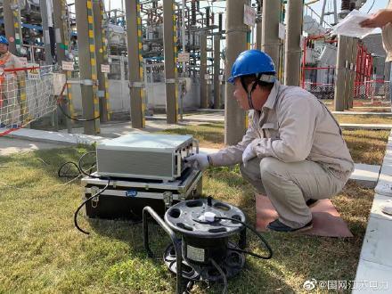 调试人员完成了低抗直流电阻、交流电阻、绝缘电阻、工频耐压,避雷器持续电流、泄漏电流等试验工作