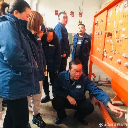 组织变压器检修和电气试验人员分别开展集中培训练特别邀请了陕西赛普瑞电气有限公司的技术人员授课